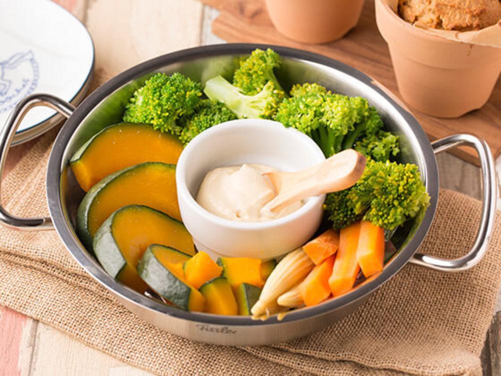 蒸し野菜と豆乳マヨネーズ