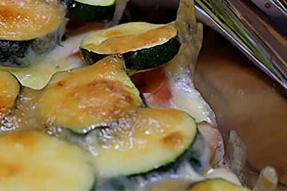 ズッキーニとトマトとサバのチーズ焼き