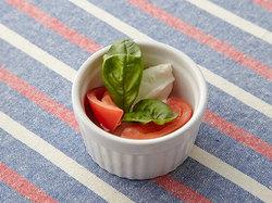 簡単トマトのカプレーゼ