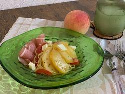 桃と生ハムの彩り冷製パスタ