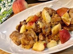 桃と鶏肉のカシューナッツ炒め