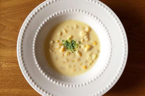 旬の素材、とうもろこしの冷製スープ