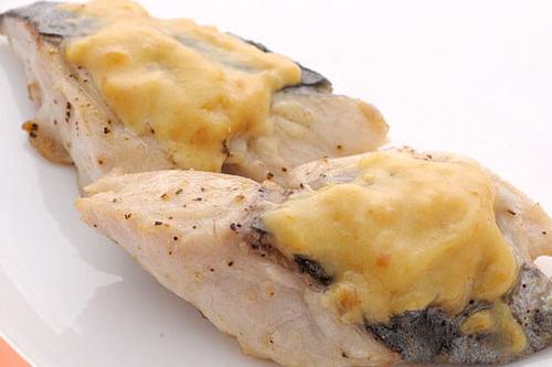 さわらの味噌マヨ焼き ~春野菜の炒め物を添えて~