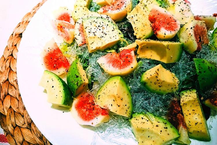 無花果とアボカドのサラダ