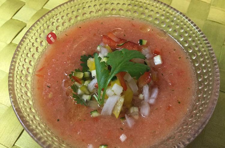 トマトスープでガスパチョ風