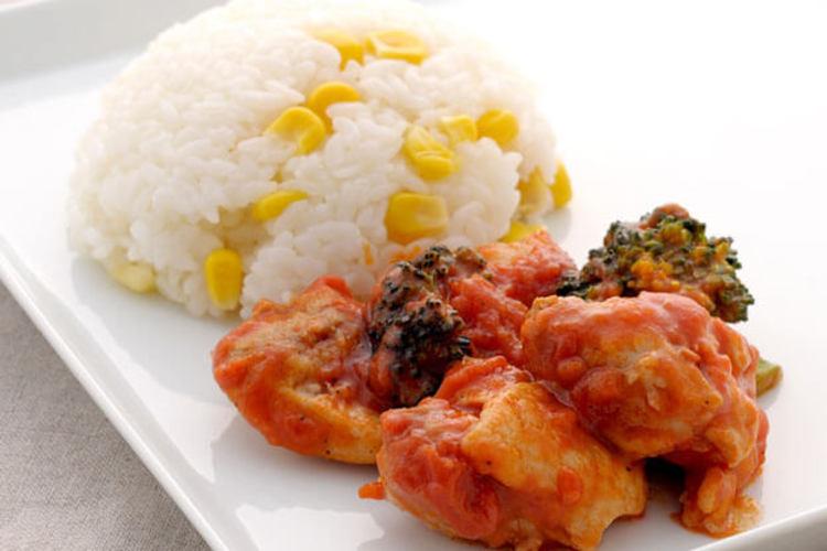 チキンのトマト煮 ~コーンバターライスと共に~